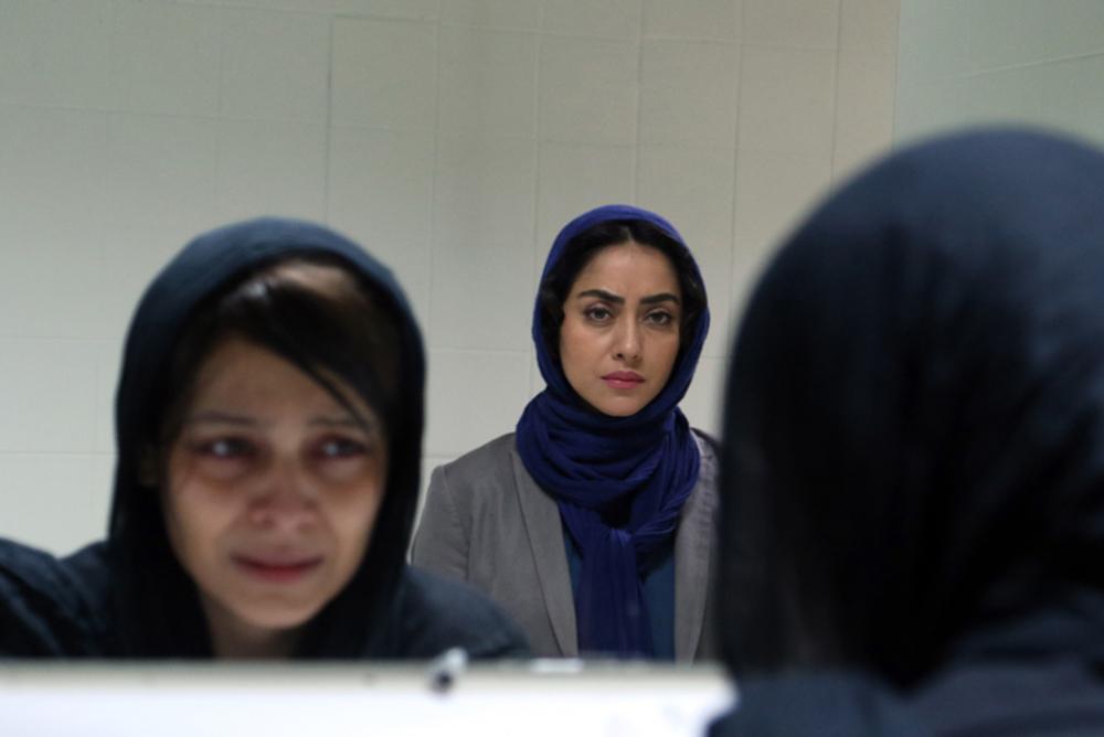 ساره بیات و بهاره کیان افشار در فیلم «زرد»