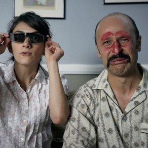 ماز جبرانی و شیلا وند در فیلم «جیمی وست وود: قهرمان آمریکایی»