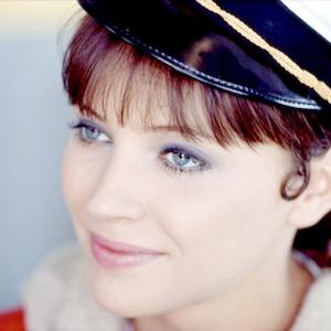 آنا کارینا در فیلم «زن، زن است»