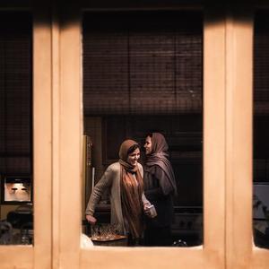 پریناز ایزدیار و ماهور الوند در فیلم «هت تریک»