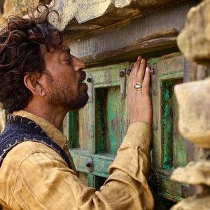 عرفان خان در فیلم «آواز عقرب ها»