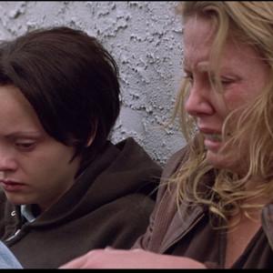 شارلیز ترون و کریستینا ریچی در فیلم «هیولا»(Monster)
