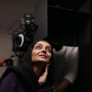 ساره بیات در پشت صحنه فیلم «اتاق تاریک»