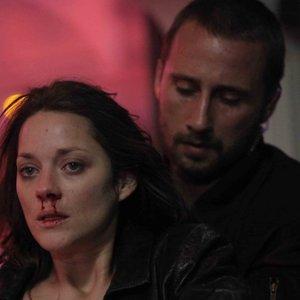 ماریون کوتیار و ماتیاس اسخونارتس در فیلم «زنگار و استخوان»(Rust and Bone)