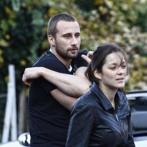 ماریون کوتیار و ماتیاس اسخونارتس در نمایی از فیلم «زنگار و استخوان»(Rust and Bone)