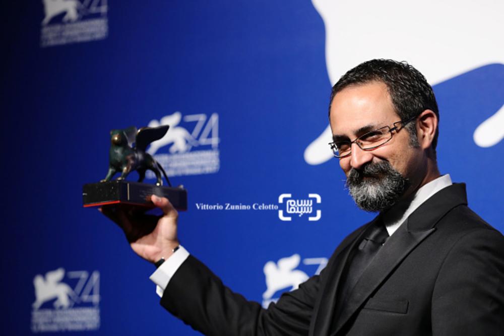 وحید جلیلوند برنده جایزه بهترین کارگردانی بخش افقها برای «بدون تاریخ، بدون امضا» در جشنواره فیلم ونیز