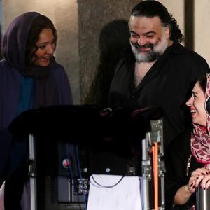 تینا پاکروان، علیرضا عصار و مهناز افشار در پشت صحنه فیلم «لس آنجلس-تهران»