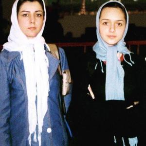ترانه علیدوستی و مادرش نادره حکیم الهی در سومین جشنواره اجتماعی آبادان