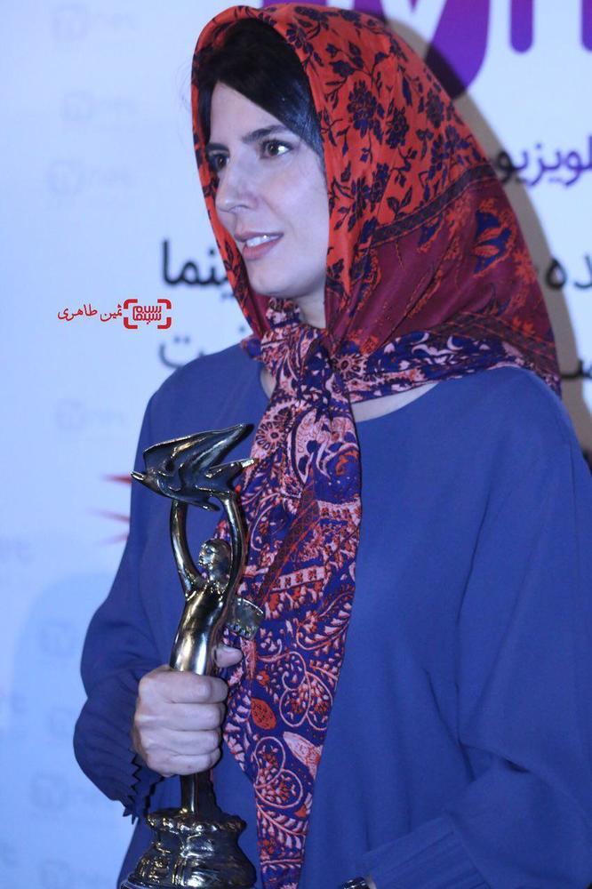 لیلا حاتمی برنده تندیس بهترین بازیگر نقش اول زن برای فیلم «رگ خواب» در نوزدهمین جشن خانه سینما