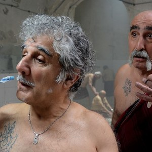 مهدی هاشمی و فرهاد آئیش در فیلم یک دزدی عاشقانه