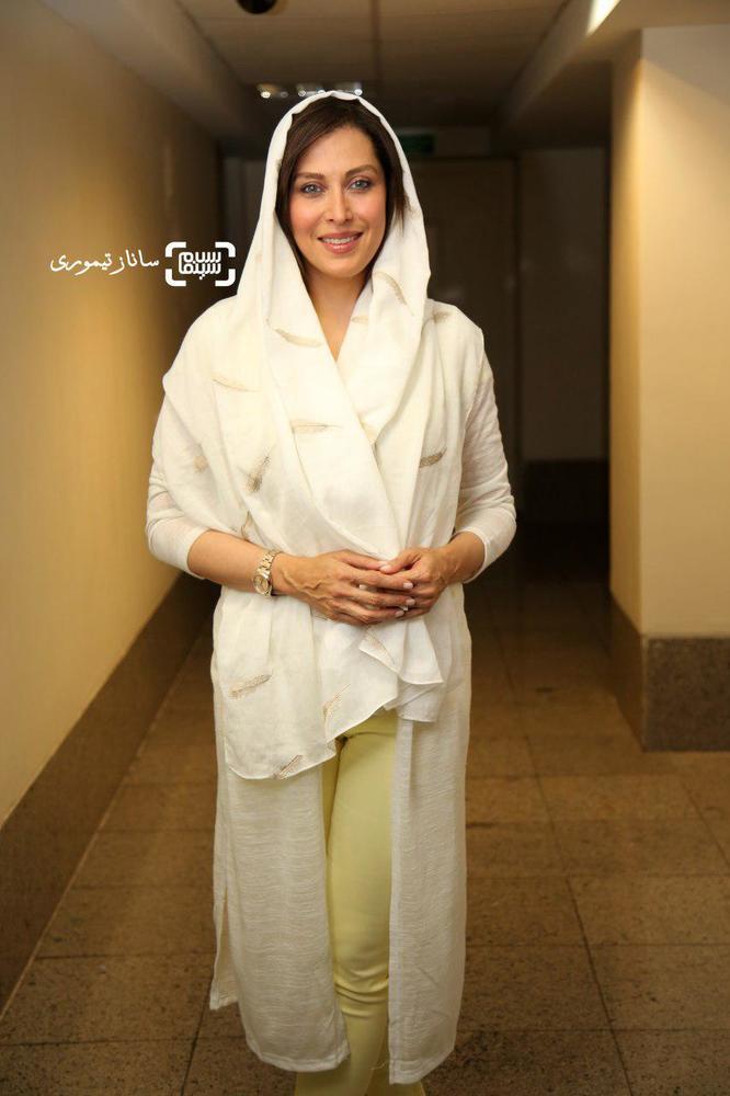 مهتاب کرامتی در اکران مردمی فیلم سینمایی «ماجان» در سینما کوروش