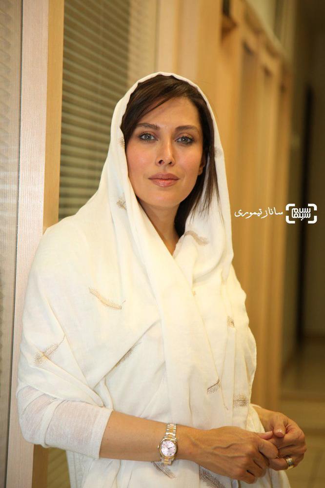 مهتاب کرامتی در اکران مردمی فیلم «ماجان» در سینما کوروش