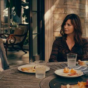 فی داناوی و جینا گرشان در فیلم «باور نکردنی»(Inconceivable)