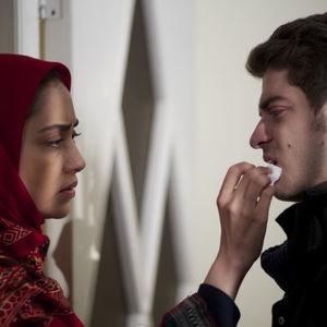 بهاره کیان افشار و نوید لایقی مقدم در فیلم عین شین قاف