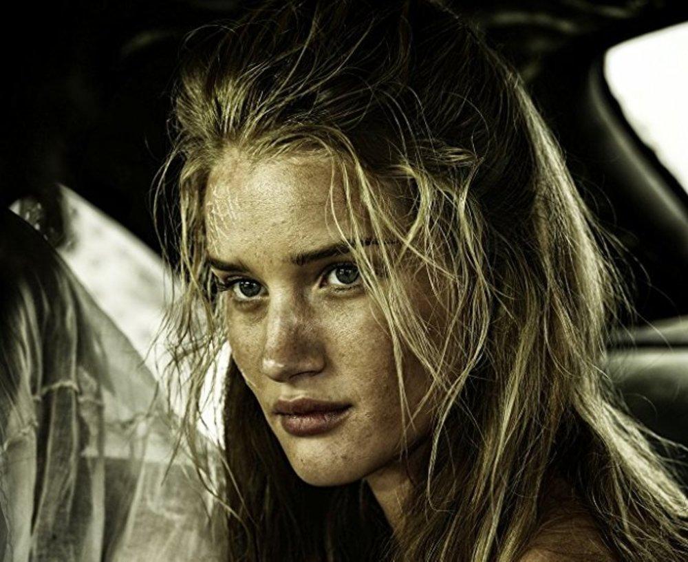 رزی هانتینگتون وایتلی در فیلم «مکس دیوانه: جاده خشم»(Mad Max: Fury Road)