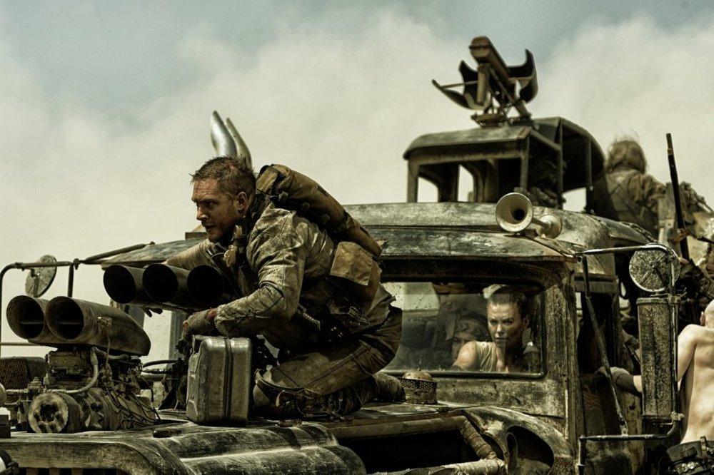 شارلیز ترون و تام هاردی در فیلم «مکس دیوانه: جاده خشم»(Mad Max: Fury Road)