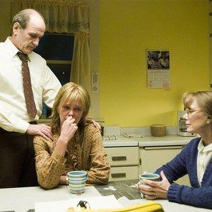 شارلیز ترون، سیسی اسپیسک و ریچارد جنکیز در فیلم «سرزمین شمالی»(North Country)
