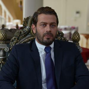 پژمان بازغی در فیلم «من و شارمین»