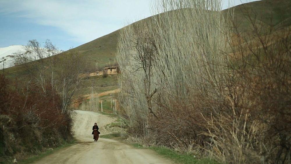 سمیرا ذکایی در نمایی از فیلم «کژال»