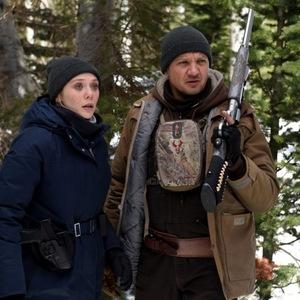 جرمی رنر و الیزابت اولسن در فیلم «رودخانه ویند»(Wind River)