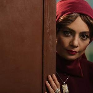 یکتا ناصر در سریال «آشوب» در سریال «آشوب»