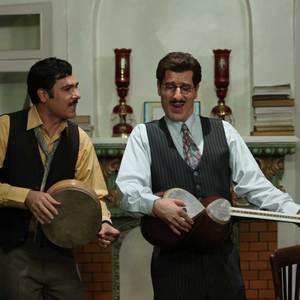کوروش تهامی و رامین ناصرنصیر در سریال «آشوب»