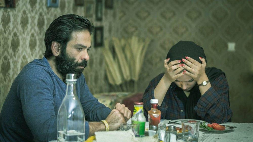 بانیپال شومون و بهار جهان آرا در فیلم «اینترنت نامحدود»