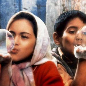 بهاره صدیقی و امیرفرخ هاشمیان در فیلم «بچه های آسمان»