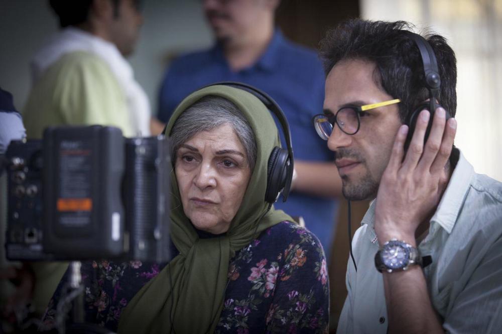 گلاب آدینه و رضا فهیمی در پشت صحنه فیلم «دوباره زندگی»
