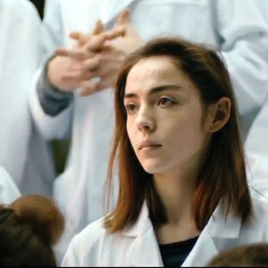 گارانس ماریلیر در نمایی از فیلم سینمایی «خام»(raw)
