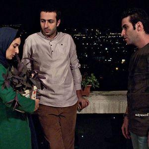 سهیلا گلستانی، هوتن شکیبا و حسام محمودی در نمایی از فیلم شب بیرون ساخته کاوه سجادی حسینی