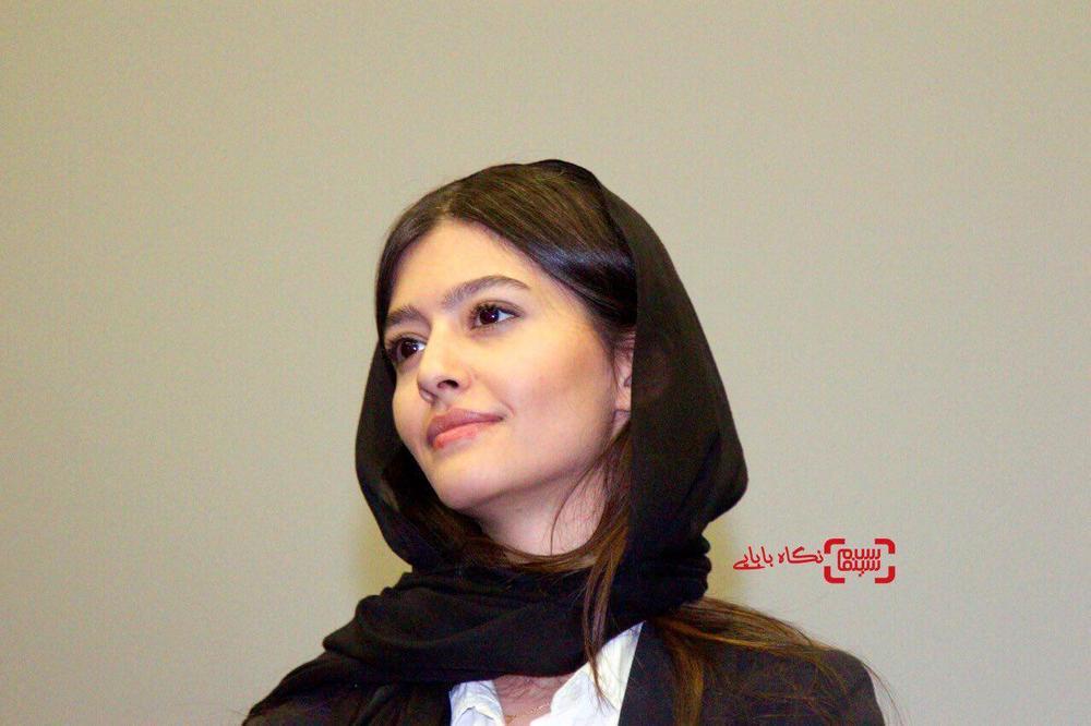 پردیس احمدیه در اولین اکران مردمی فیلم «خانه دختر» در پردیس سینمایی کوروش