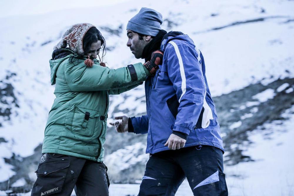 بانیپال شومون و سارا توکلی در فیلم کوتاه «استون»
