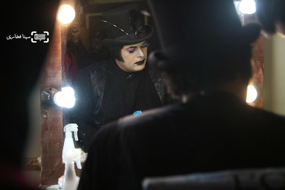 پژمان بازغی در پشت صحنه فیلم «آهوی پیشونی سفید2»