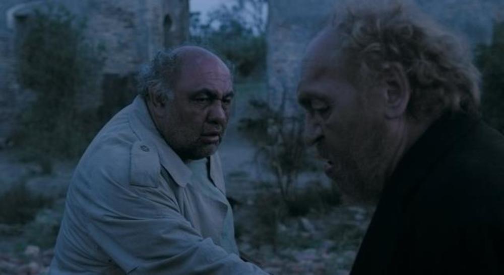 فیلم مردی که اسب شد با بازی محمود نظرعلیان و لئون هفتوان