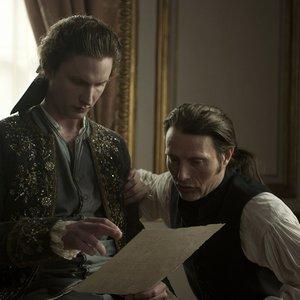 مدس میکلسن و میکل فلسگورد در فیلم «یک رابطه سلطنتی»(A Royal Affair)