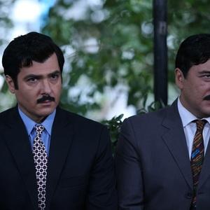 کوروش تهامی و امیرحسین صدیق در قسمت اول سریال «آشوب»