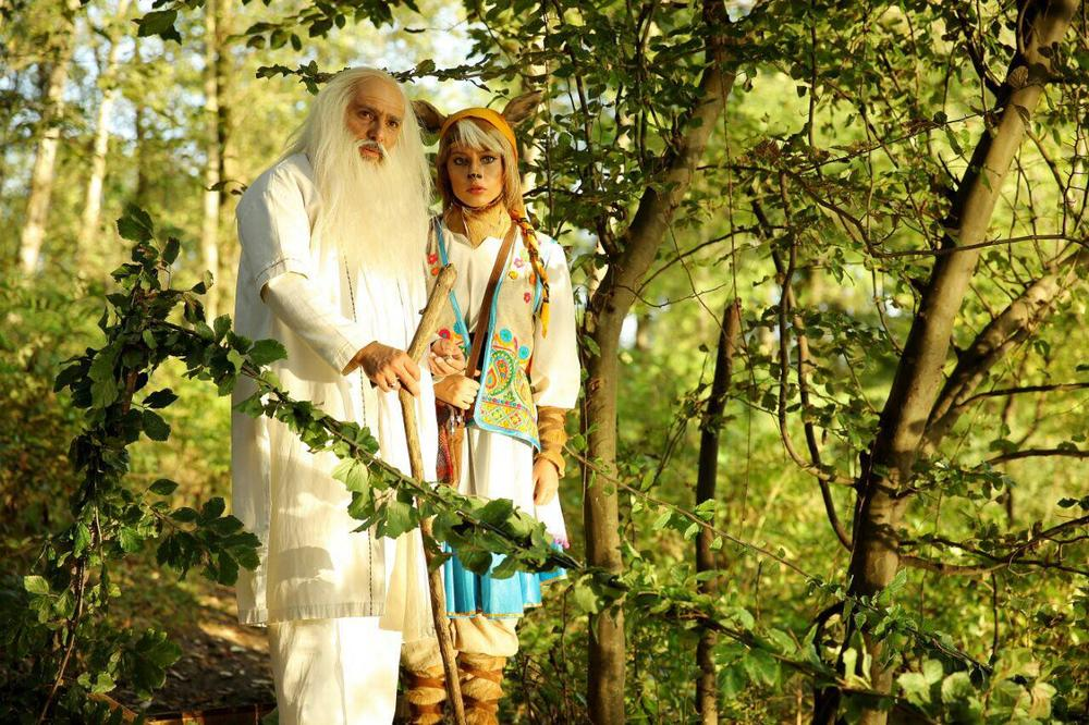 ترلان پروانه و جواد هاشمی در فیلم سینمایی «پیشونی سفید2»
