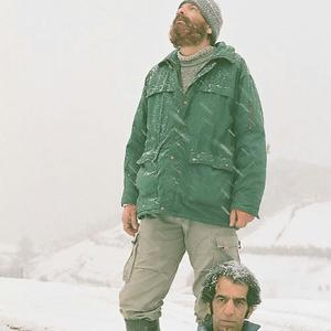 بهزاد دورانی و علی باقری در فیلم «کله سرخ»