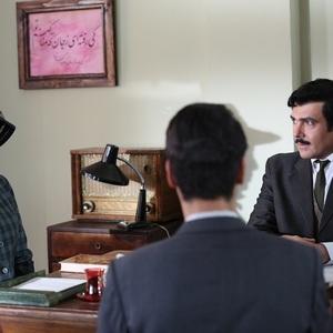 کوروش تهامی و لیلا اوتادی در قسمت دوم سریال «آشوب»