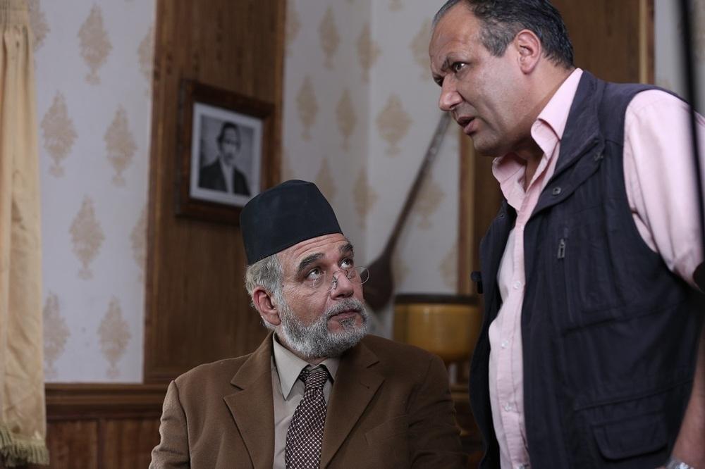 کاظم راست گفتار و فخرالدین صدیق شریف در پشت صحنه قسمت دوم سریال «آشوب»
