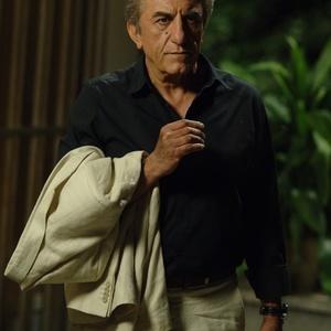 حضور رضا کیانیان در فیلم پنج تا پنج به عنوان بازیگر و مشاور هنری