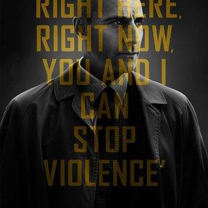 """مارک استرانگ در پوستر فیلم """"۶ روز"""""""