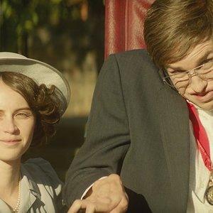 """ادی ردمین و فلیسیتی جونز در فیلم """"تئوری همه چیز"""""""