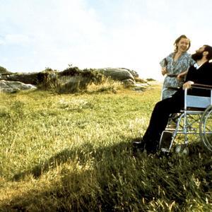 """دانیل دی-لوئیس و روت مک کیب در نمایی از  فیلم """" پای چپ من """""""