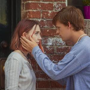 """لوکاس هجز و سیرشا رونان در نمایی از فیلم """"لیدی برد"""""""