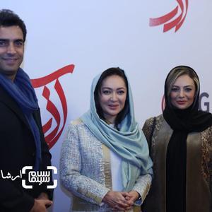 یکتا ناصر و همسرش منوچهر هادی درکنار نیکی کریمی در اکران خصوصی فیلم «آذر»