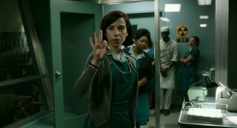"""نمایی از فیلم """"شکل آب"""" با بازی سالی هاوکینز و اکتاویا اسپنسر"""