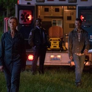 """فرانسیس مک دورمند و لوکاس هجز در نمایی از فیلم""""سه بیلبورد خارج از ابینگ، میزوری"""""""