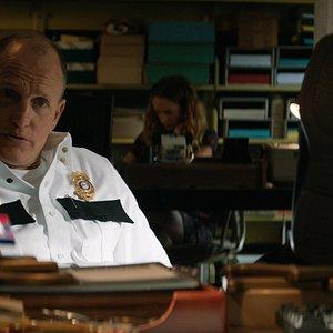 """وودی هارلسون در نمایی از فیلم""""سه بیلبورد خارج از ابینگ، میزوری"""""""